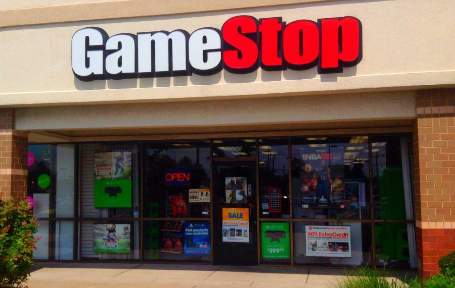GameStop+has+too+many+devoted+customers+and+promotional+deals+to+follow+the+same+fate+as+Blockbuster.+%28Courtesy+of+Flickr%29