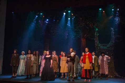 """Mimes and Mummers Thrills with """"Into the Woods"""""""