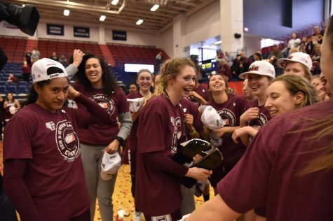 Women's Basketball Victorious on Senior Day