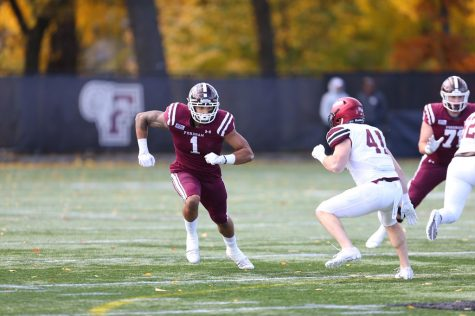 Football Loses 17-13 to Holy Cross to Fall to 1-9