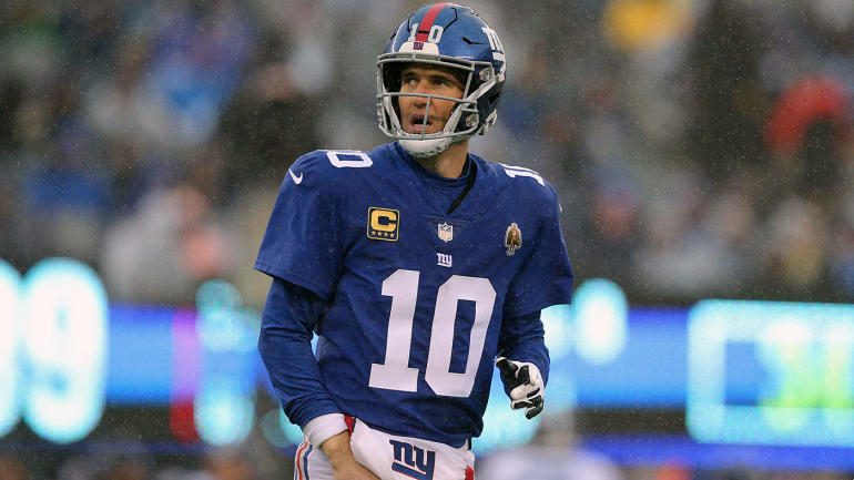 Eli+Manning+and+the+Giants+are+struggling%2C+and+Daniel+Jones+is+right+behind+him.
