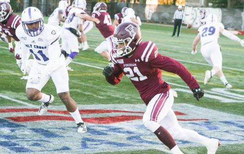 Football Allows Huge Fourth Quarter in Holy Cross Loss