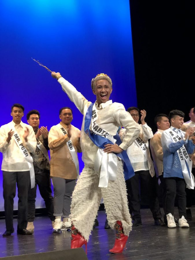 Jeffrey+Pelayo%2C+FCRH+%2721%2C+won+the+title+Mr.+Philippine-Islands+at+a+pageant+at+Columbia+University.