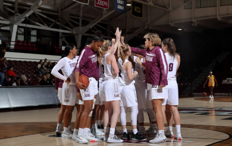 Women's Basketball Pushes Win Streak to Four