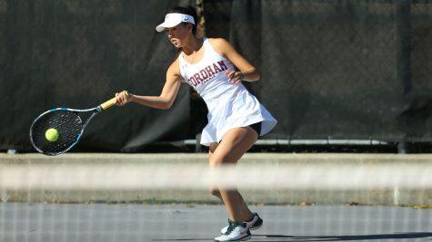 Women's Tennis Splits the Weekend