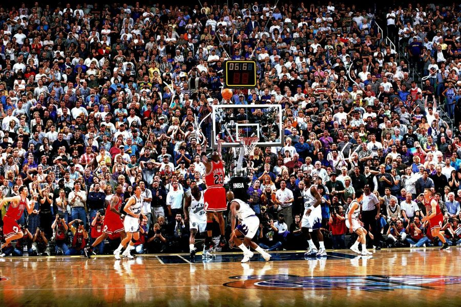 Michael+Jordan%27s+shot+at+the+end+of+Game+6+of+the+1998+NBA+Finals+%28above%29+clinched+the+Bulls%27+sixth+championship.+%28Courtesy+of+Twitter%29